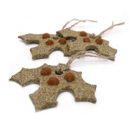 Rosewood Christmas Gnawable Holly Leaves Small Animal Treats